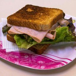 Sándwich con Jamón y Queso