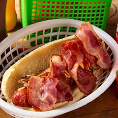 Hot Dog con Tocino y Queso