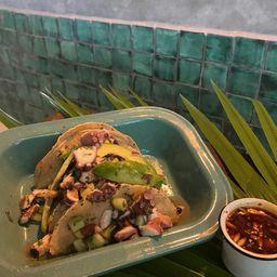 Tacos Pulpo y Aparte