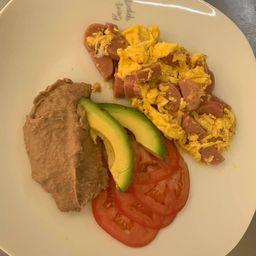 Huevos con Salchicha