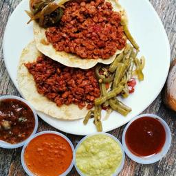 Taco de Longaniza con Tortilla de Harina y Queso