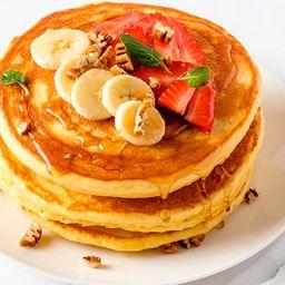 Promo Hot Cakes con Fruta y Cafe ó Te