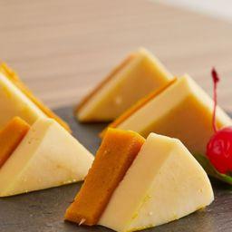 Ate con queso manchego