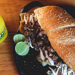 Chilaquilota con Bistec