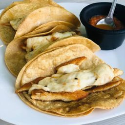 Tacos de Milanesa de Pollo con Queso