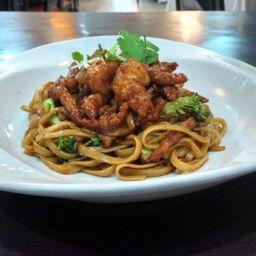 Noodles Mixtos de Carne