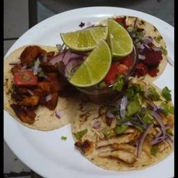 Promo Tacos con Bebida