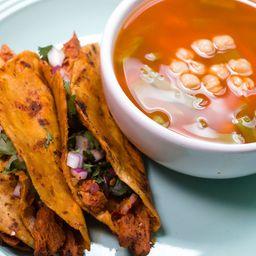 Consomé de Birria y Tacos