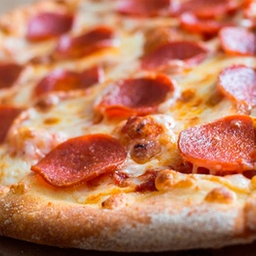 Pizza Pepperoni & Champiñon