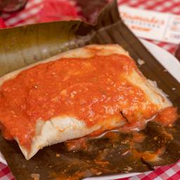 Tamal Oaxaqueño Rojo con Carne