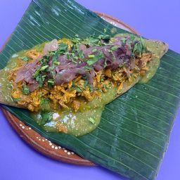Huarache de Cochinita