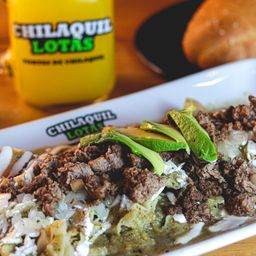 Chilaquiles con Suadero