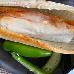 Tamal Rojo Pollo Mini