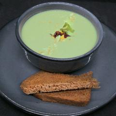 Sopa de Haba y Almendra