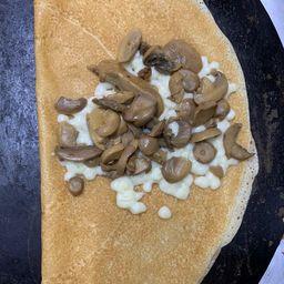 Crepa de Queso Mozzarella y Champiñones.