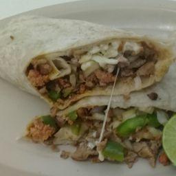 Burrito de Bistec con Longaniza