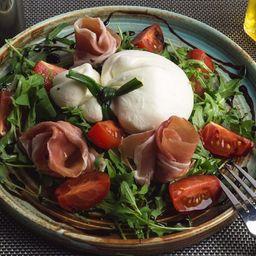 Prosciutto E Burrata