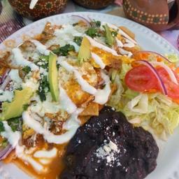 Chilaquiles con Huevo Mas Jugo Naranja