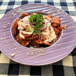 Chilaquiles Rojos (sin Chile)