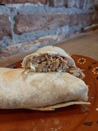 Combo Burrito  De Barbacoa + Consomé De Res + Refresco 🤤👌🥤
