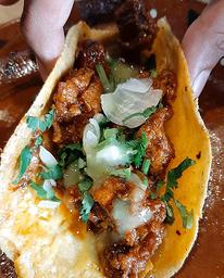 Combo Chicharrón Prensado 4 Tacos + Consomé + Refresco  🌮🥤🤤