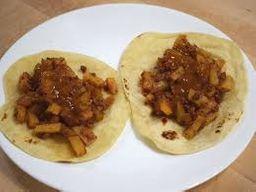 Taco de Chorizo con Queso