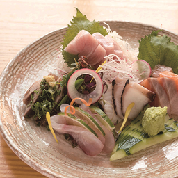 Sashimi del día mediano