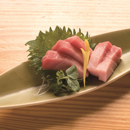 Sashimi maguro chu-toro