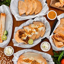 Los Perrones Tacos Al Vapor