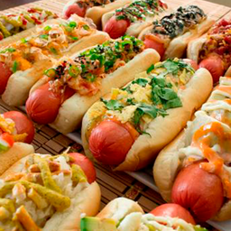 Los Perrones Hot Dogs