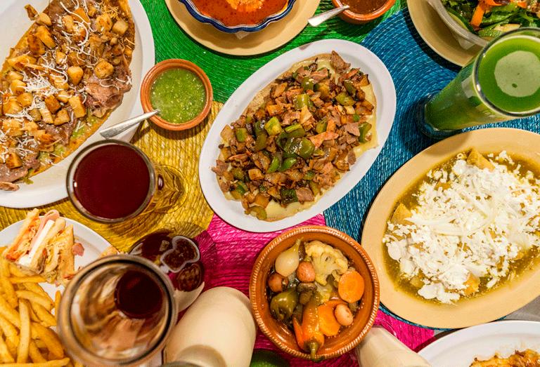 Logo Los Sopes de Plutarco con Sabor a Mexico