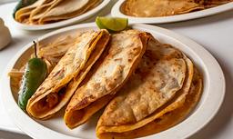 Tacos de Barbacoa Adrián